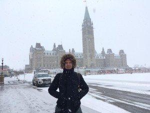 -2020-01-06 Canada Ottawa Mgx Ludo - Ludo devant le Parlement