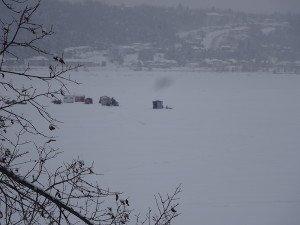 -2020-01-15 Canada La Baie Les cabanes de pêche DSC02704