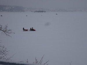 -2020-01-15 Canada La Baie Les cabanes de pêche DSC02705