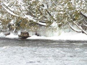 P1080083 2020-01-13 Canada Saint Honoré Sentier de la rivière Shipshaw - Chute Gagnon